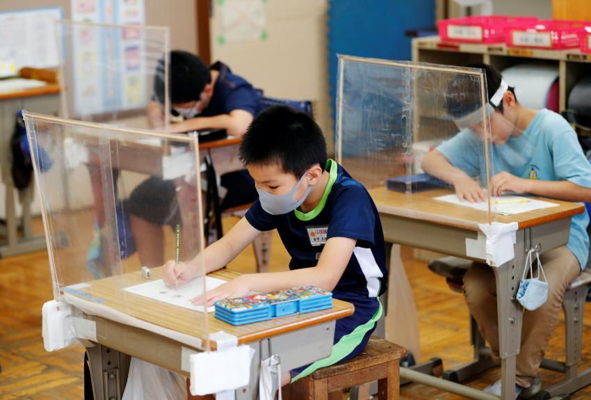 Коронавирус сурагчдыг бухимдуулж байна