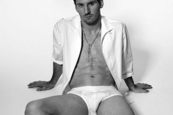 Leo-Messi-in-Dolce-Gabbana-new-underwear-campaign-568x379